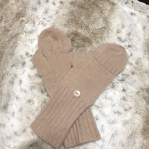 C by Bloomingdales cashmere convertible gloves, S
